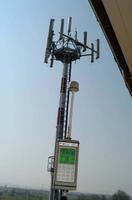 Misura sperimentale mediante sonda di campo elettrico a banda larga PMM 8053A - NARDA atta a verificare il livello di campo all'esterno dell'unità abitativa in corrispondenza del terrazzo.