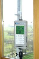 Misura sperimentale mediante sonda di campo elettrico a banda larga PMM 8053A - NARDA atta a verificare il livello di campo all'interno dell'unità abitativa al terzo piano.
